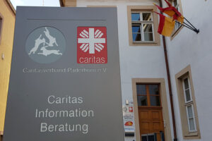Caritasverband Paderborn e. V. mit 3-Hasen-Logo